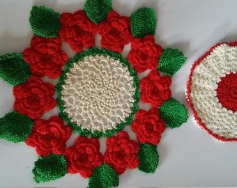 Vintage Crocheted Doilies-Red and Green Roses Doilies-Round Doilies-Floral Doilies-Floral Doilies-Doilies-Vintage Doilies-Red Rose Doilies