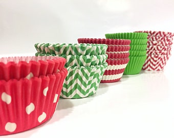 CHRISTMAS Cupcake Liners | 100 RED & GREEN Holiday Paper liners | Greaseproof Chevron Polka Dot Cake Party Baking Cups