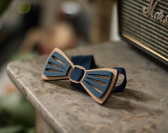 """Wooden bow tie """"moustache"""" lasercut engraved and hand painted"""
