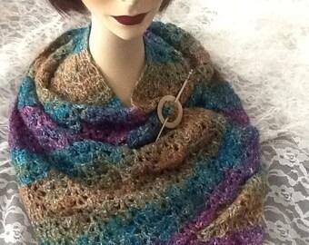 Multi-colored shawlette