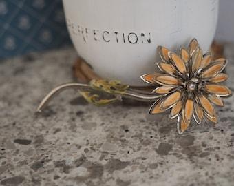 Vintage Jewelry - Silver & Enamel Straw Flower Pin - Unmarked