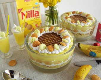 1:6 Scale Miniature BANANA Trifle LAYERED Cookie and Pudding Dessert with SPOON - Realistic Polymer Clay Food for Fashion Dolls & Figures