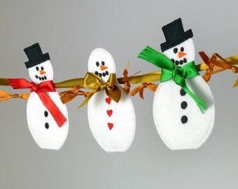 """Snowman In The Hoop Banner Machine Embroidery Design Applique Patterns all done In-The-Hoop 2 variations 6 sizes 4"""", 5"""", 6"""", 7"""", 8"""" and 9"""""""
