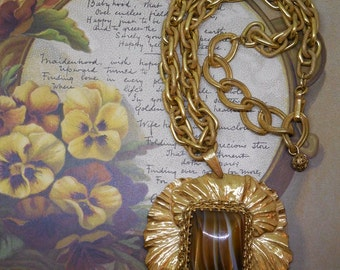 MIRIAM HASKELL Russian Gold Pendant Necklace & Chain    NG33