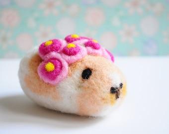 Hamster with roses - Handmade, Needle felting, Animal, Plush, Stuffed Toy, Doll, Flowers, OOAK, Christmas, Valentino, New Year