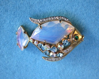 Beautiful unique transluscent crystal fish brooch pin with AB rhinestones - estate jewelry