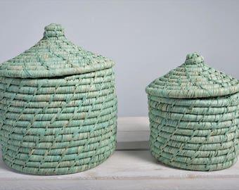 Raffia basket with lid light green