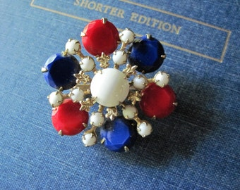 Vintage Brooch, Vintage Pin, Red White and Blue Brooch, Faceted Matte Rhinestones, Brooches Vintage, Patriotic Jewelry, Retro Brooch