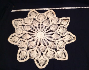 Doilies vintage lot of 14 crocheted  DIY projects, crafting, sewing. quilting  182
