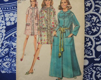 vintage 1960s simplicity sewing pattern 8458 misses robe in two lengths size 12-14