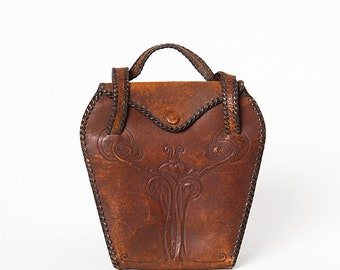 Perfectly Distressed 1910s Edwardian Tooled Leather Art Nouveau Purse