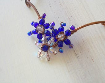 Necklace with cobalt blue and transparent flower, pendant flowers with glass beads, necklace with pendant flowers, gift idea for her