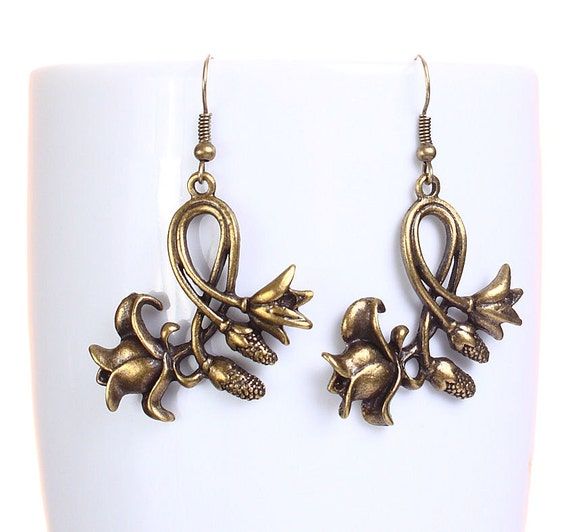 Sale Clearance 20% OFF - Antique brass tulip flower dangle earrings (614)