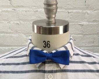 Vintage blue bow tie / preppy prom groom groomsmen / matching bowties