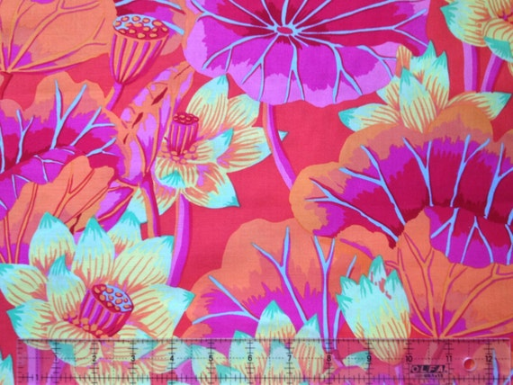 LAKE BLOSSOMS GP93 Magenta by Kaffe Fassett sold in 1/2 yard increments