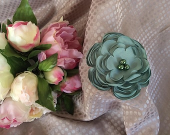 Flower 11 cm in satin with pearls