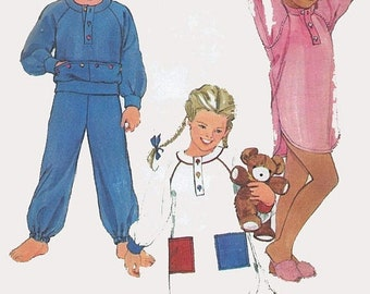 ON SALE Vintage 1980s Nightgown or Pajamas Sewing Pattern Simplicity 6629 Children's 80s Pattern Size 4-5 UNCUT