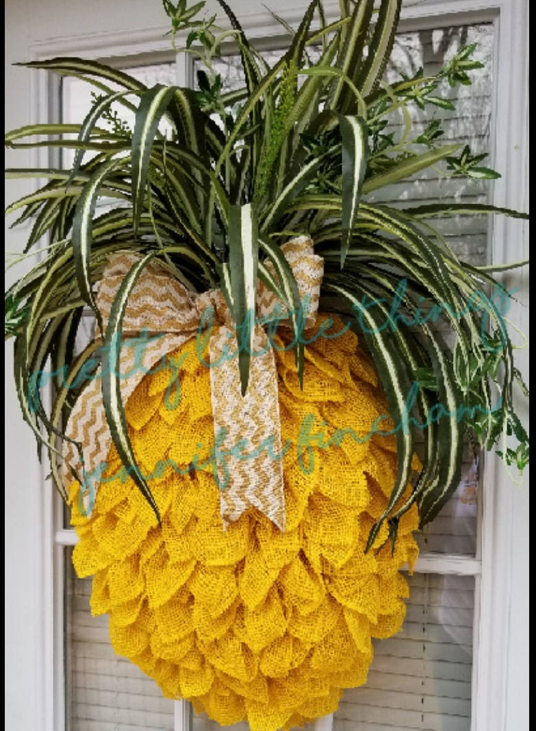 Pineapple Wreath Wall Decor Burlap