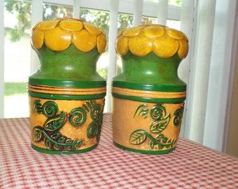 Vintage 1970s Retro Salt and Pepper Mod Kitschy Kitchen Home Decor