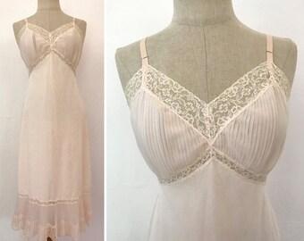 Vintage 50s Vanity Fair Crystal Pleated Full Slip in Pink Size 36 Midcentury Size Medium M