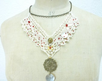 "Necklace ""The beautiful lace"" with chain, lace, beads, embroidery, brass and mother of pearl, white"
