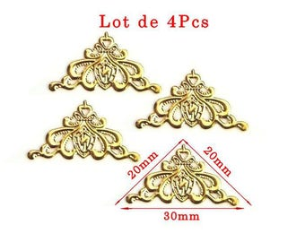 Gold plated corners model P deco design. Size approximately 20x20mm and 30mm long set of 4Pcs