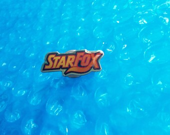 1993 STAR FOX Pin Super Nintendo Super Star Fox Weekend Competition Pin! Metal, Glossy Rare Vintage Retro Exclusive Starfox CLEAN Great Gift