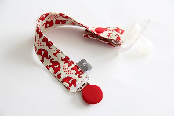 Pacifier clip - snap - enamel clip - elephants - red - cream - vintage - cotton fabric - baby - baby gift - baby shower - dummy