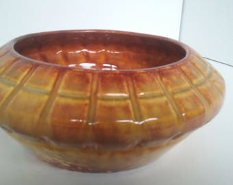 Mid century modern gold Haeger pottery bowl