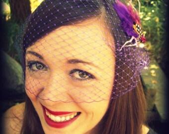 Lila Birdcage Veil Hochzeitssuite Bandeau cm Retro