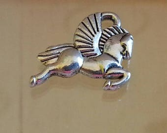 Silver Tibetan 14 x 15 x 5 horse pendant