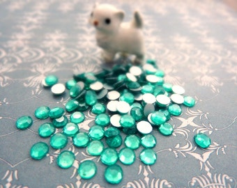 Glass Rhinestone SS16 4mm Glass Rhinestone Light Emerald (50)