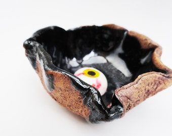 Small Black Bowl, Scrunchy Nutcup. Small Wrinkled Pottery Bowl. Rustic, Primitive, Hobbit Tableware, Rough, Monster Bowl