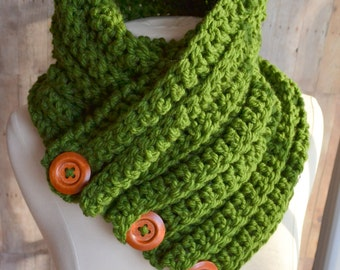 Green Three Button Cowl, Crochet Scarf, Chunky Knit, Cozy Green Cowl, Womens Winter Scarf, Crochet Cowl, Textured knit bulky cowl