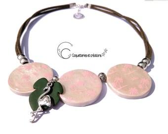 Tour de cou collier lentilles palmiers sérigraphiés Silkscreen Alli de couleur rose, sur fond blanc nacré fait main, création française