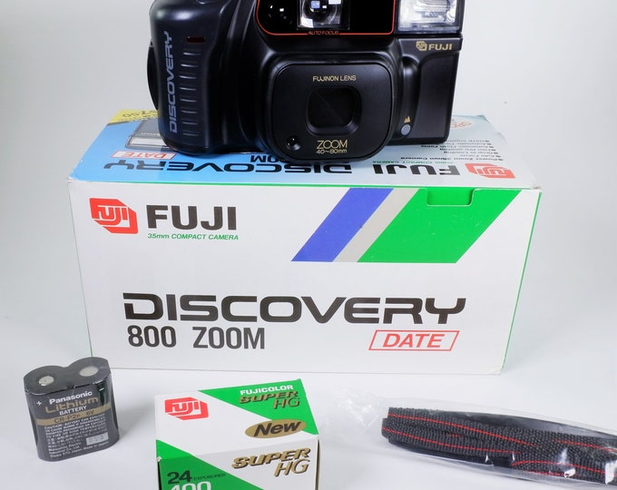 Fuji Discovery 800 Date 35mm Compact Film Camera Outfit - New in the Box - Fujinon 40-80mm Power Zoom Lens - Fujicolor Film Included! Nice!