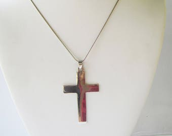 Sterling Silver Cross Pendant and Snake Chain Necklace   1937D