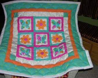 New Butterflies and Flowers Applique Baby Quilt *Double Batting*