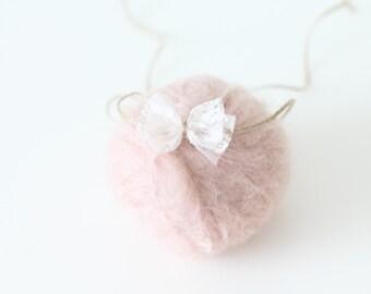 Newborn bow - Newborn headband - Newborn accessories - Girl accessories - Baby hair - Newborn props - Photo props - props headband - Newborn