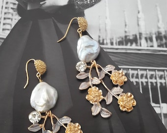 Argento925 earrings, baroque pearls and enamelled brass flowers