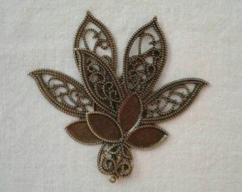 SALE - Antique Brass Filigree Flower/Leaf Cab Tray Pendants -66 x 56 mm - Sets of 4