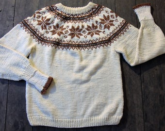 Excellent Condition Vintage 1960's Snowflake Hand Knit Raglan Sleeve Sweater-Large