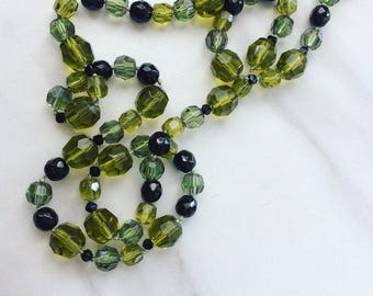 Faceted Glass Bead Necklace // Green Glass Beaded Long Necklace