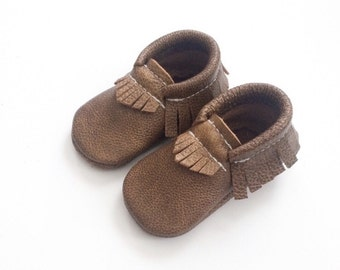 Baby Moccasins Toddler Moccasins, Weathered brown moccasins, Weathered Wood leather, baby moccasins, toddler moccasins