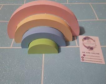 4 or 7 piece freestanding rainbow