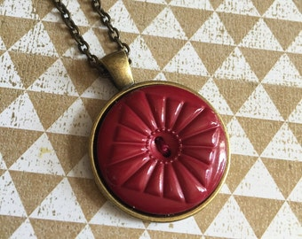 Burgundy Button Pendant Necklace