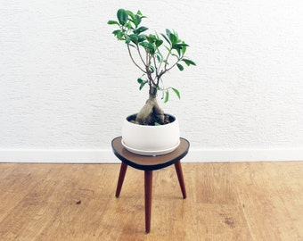 Small tripod table