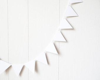 White Triangle Bunting / Hand Cut Flag Garland / White Triangle Bunting / Adjustable Nursery Bunting / Photo Prop