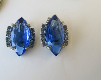 Vintage Large Cobalt Blue GLASS & Light Blue Rhinestone Prong Set Clip EARRINGS