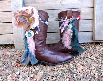 Womens Boho boots size 8 EU 38.5 /  Justin boots / cowgirl / Festival / Country music / made in USA